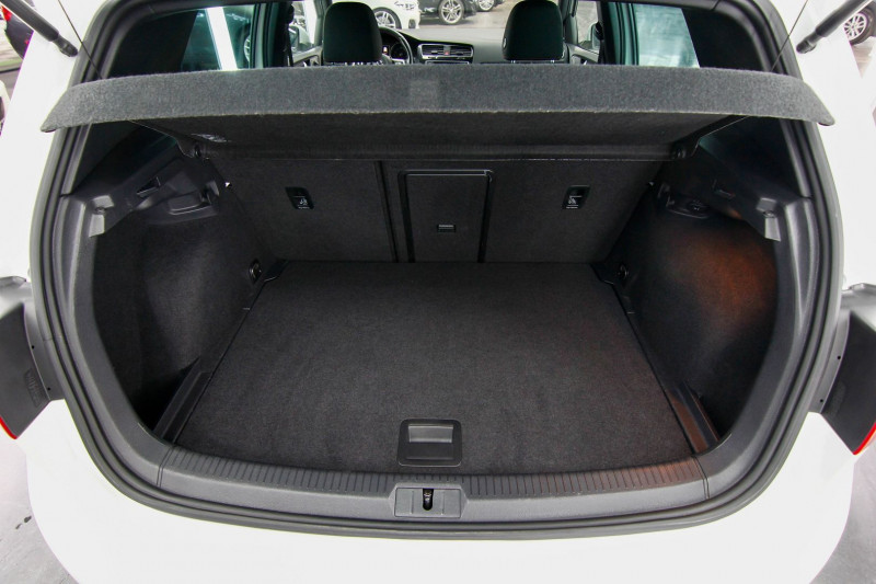 Photo 5 de l'offre de VOLKSWAGEN GOLF 2.0 TSI 230CH BLUEMOTION TECHNOLOGY GTI PERFORMANCE DSG6 5P à 21490€ chez AC111 Automobiles