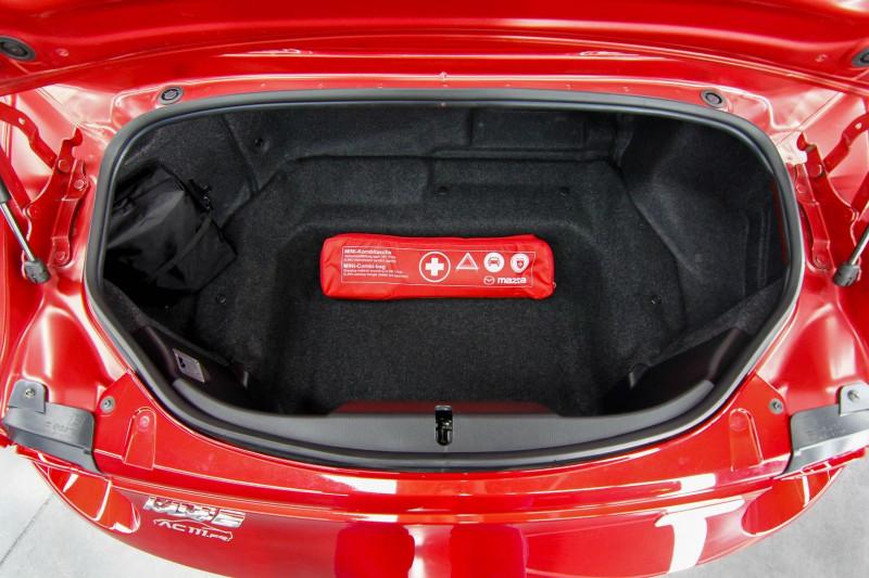 Photo 4 de l'offre de MAZDA MX-5 2.0 SKYACTIV-G 160 SELECTION à 23990€ chez AC111 Automobiles