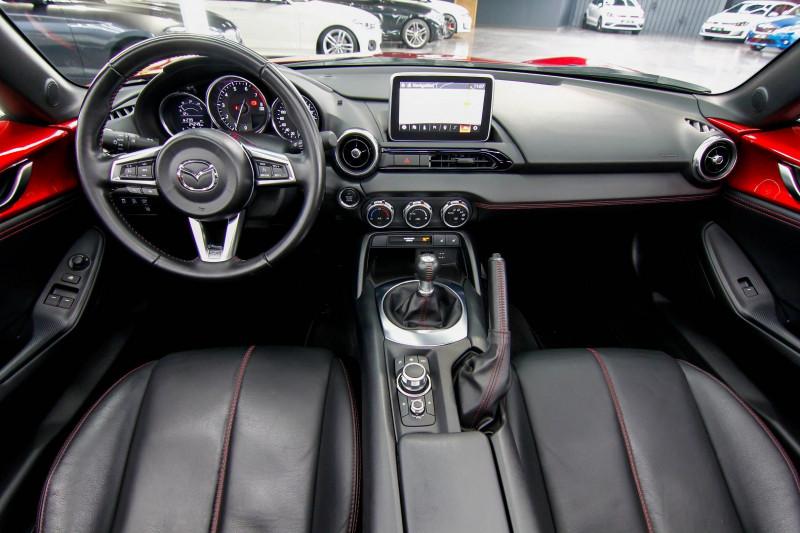 Photo 10 de l'offre de MAZDA MX-5 2.0 SKYACTIV-G 160 SELECTION à 23990€ chez AC111 Automobiles