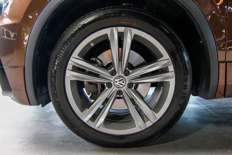 Photo 15 de l'offre de VOLKSWAGEN TIGUAN 2.0 TDI 190CH BLUEMOTION TECHNOLOGY CARAT EXCLUSIVE 4MOTION DSG7 à 33990€ chez AC111 Automobiles