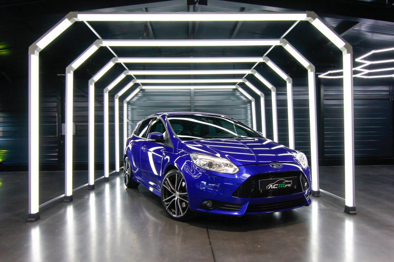 Ford FOCUS 2.0 SCTI 250CH ECOBOOST ST 5P Essence BLEU Occasion à vendre