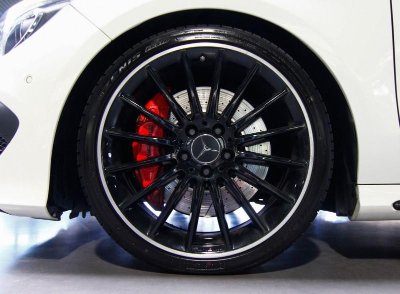 Photo 16 de l'offre de MERCEDES-BENZ CLA SHOOTING BRAKE 45 AMG 4MATIC SPEEDSHIFT DCT à 32490€ chez AC111 Automobiles