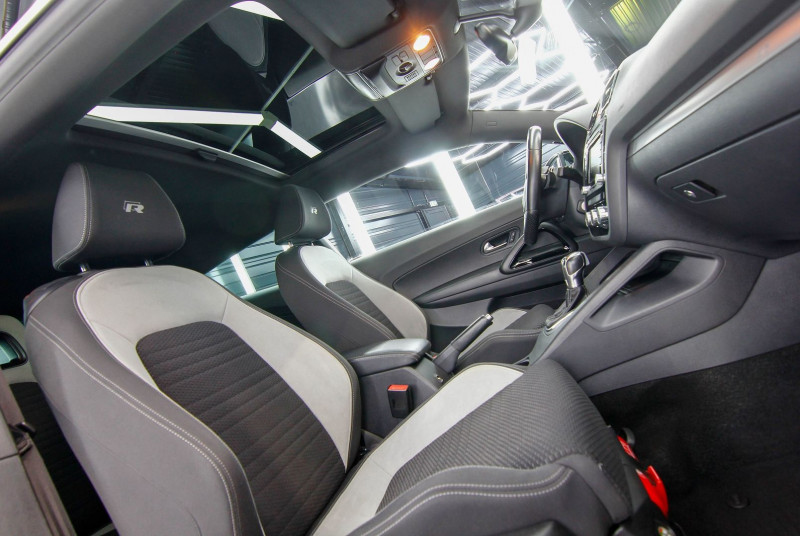 Photo 7 de l'offre de VOLKSWAGEN SCIROCCO 2.0 TSI 265CH R DSG6 à 23990€ chez AC111 Automobiles