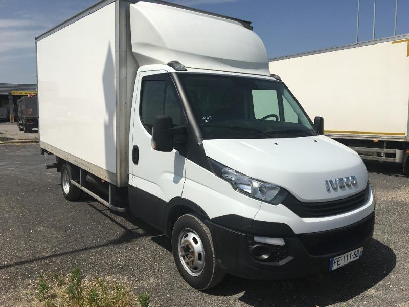 Iveco 35c16 CAISSE 20M3 HAYON CLIM AUTO DEFLECTEUR DE TOIT AUVENT AR Diesel Blanc Occasion à vendre