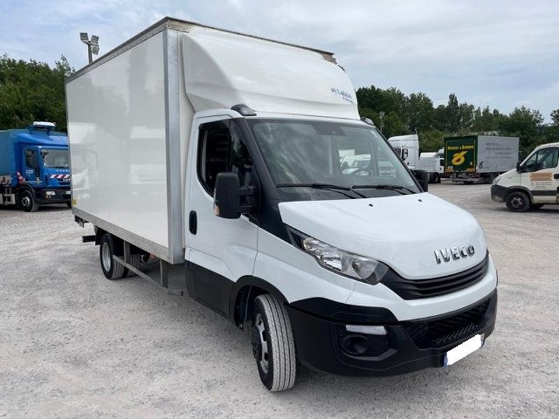 Iveco 35c16 CAISSE 20m3 HAYON DEFLECTEUR CLIM AUTO Diesel Blanc Occasion à vendre