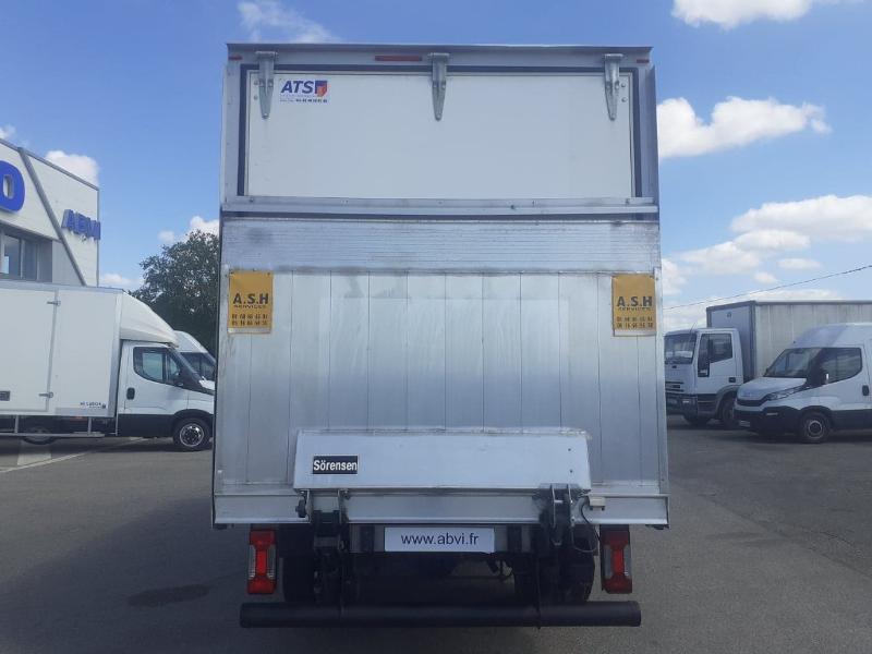 Photo 4 de l'offre de IVECO 35c16 CAISSE HAYON AUVENT DEFLECTEUR CLIM AUTO TOIT ALU à 31200€ chez ABVI Carcassonne