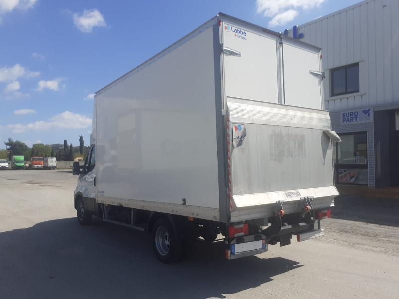 Photo 5 de l'offre de IVECO 35c16 CAISSE HAYON DHOLLANDIA DEUX PORTES AR CLIM AUTO à 31800€ chez ABVI Carcassonne
