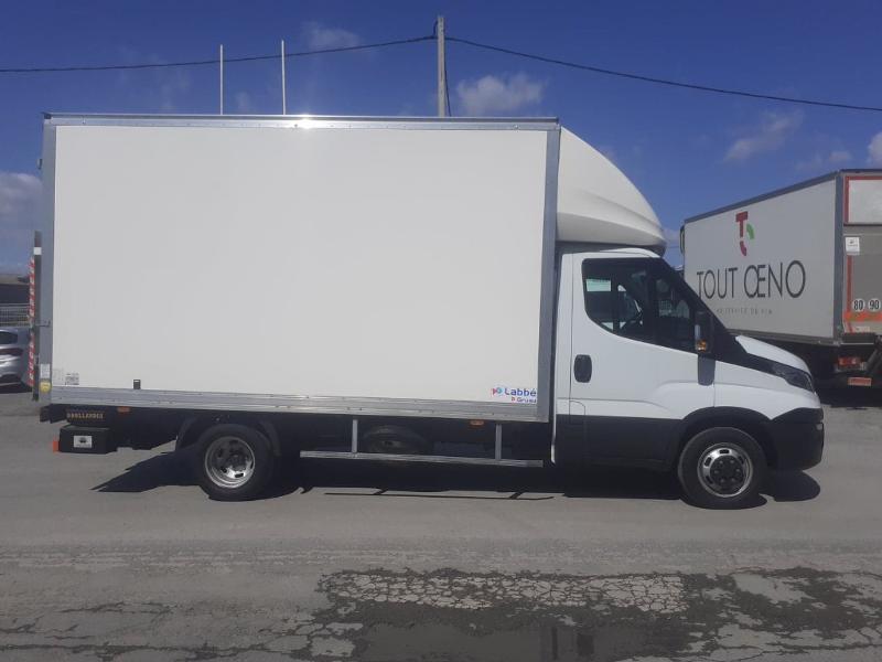 Photo 2 de l'offre de IVECO 35c16 CAISSE HAYON DHOLLANDIA DEUX PORTES AR CLIM AUTO à 31800€ chez ABVI Carcassonne
