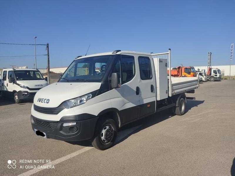 Photo 3 de l'offre de IVECO 35c14 DOUBLE CAB 6PL BENNE 2.9 + COFFRE BLUETOOTH CLIM à 32400€ chez ABVI Carcassonne