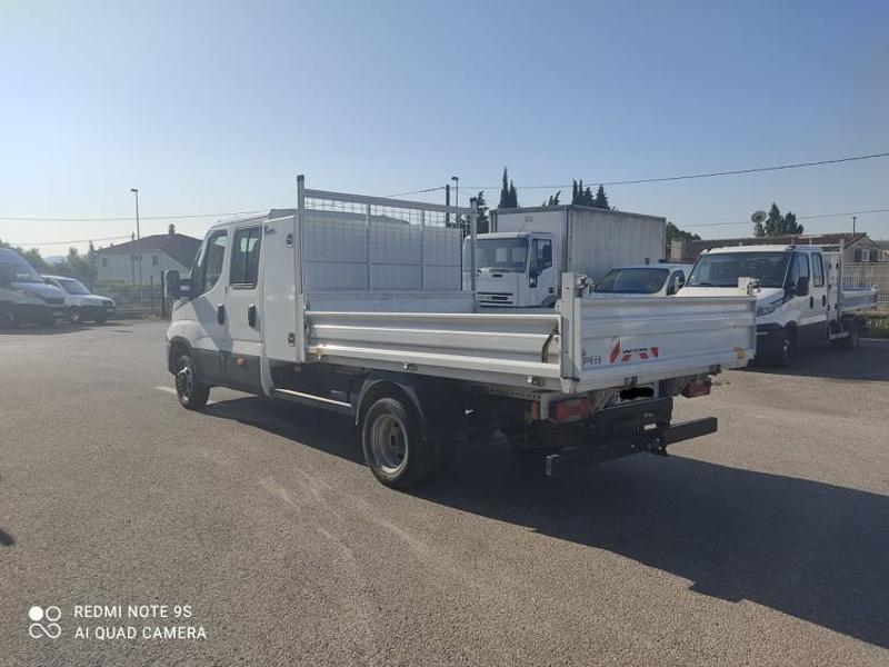 Photo 4 de l'offre de IVECO 35c14 DOUBLE CAB 6PL BENNE 2.9 + COFFRE BLUETOOTH CLIM à 32400€ chez ABVI Carcassonne