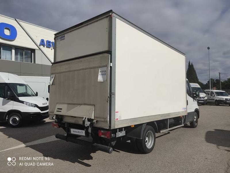 Photo 8 de l'offre de IVECO 35c16 CAISSE DEFLECTEUR HAYON AUVENT CLIM AUTO à 33000€ chez ABVI Carcassonne