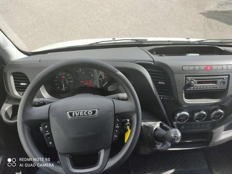 Photo 5 de l'offre de IVECO 35c16 CAISSE DEFLECTEUR HAYON AUVENT CLIM AUTO à 33000€ chez ABVI Carcassonne
