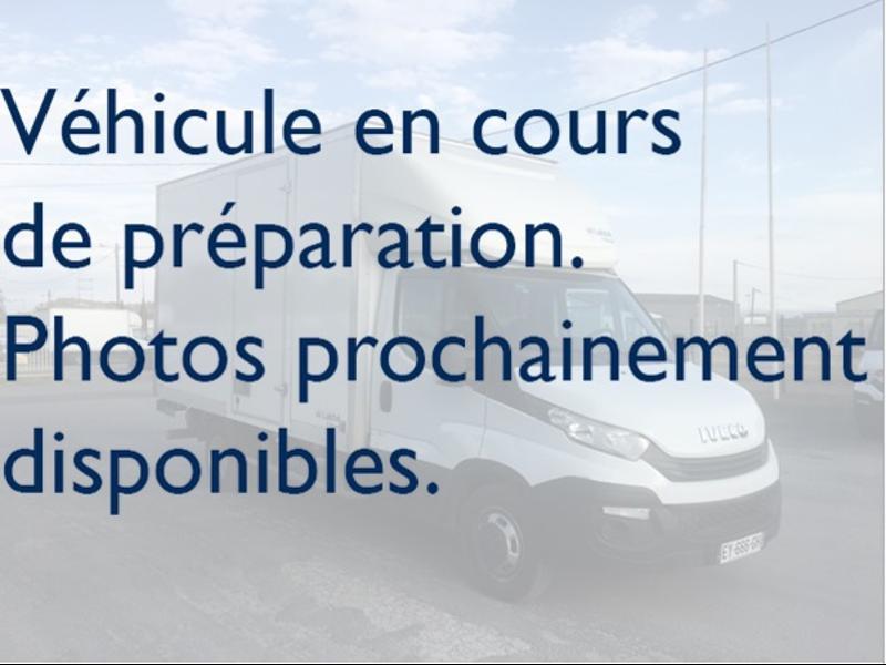 Iveco 35c16 CAISSE PORTE AR RABATTABLES DEFLECTEUR CLIM AUTO COMMANDES AU VOLAN Diesel Blanc Occasion à vendre