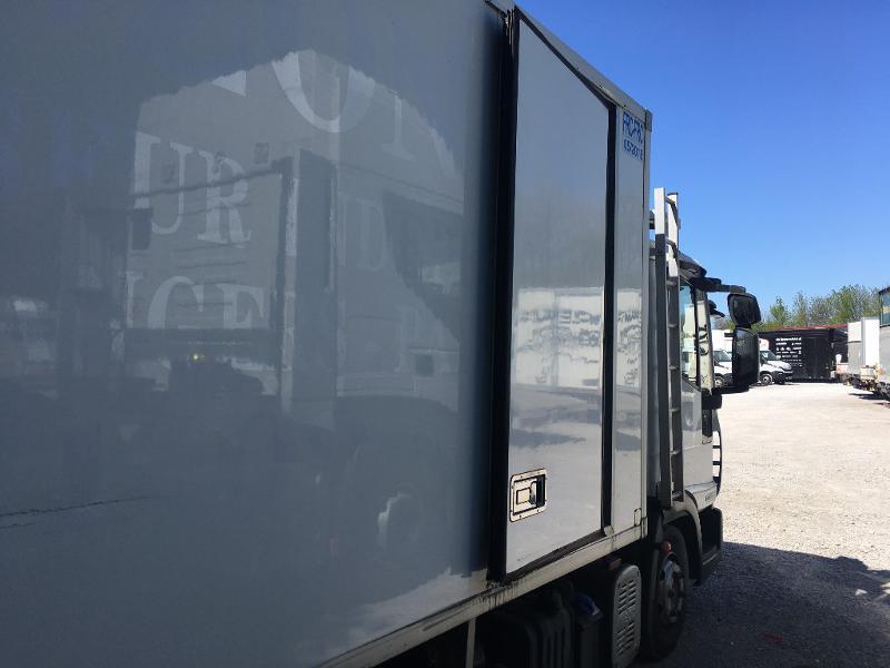 Photo 11 de l'offre de IVECO Ml 100E18 - FRIGO + HAYON à 8400€ chez ABVI Béziers