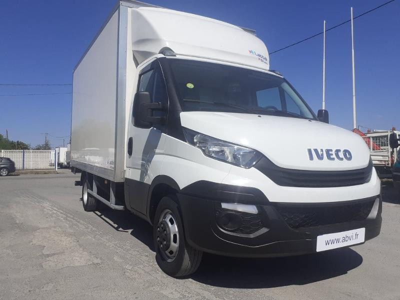 Iveco 35c16 CAISSE HAYON AUVENT DEFLECTEUR CLIM AUTO BLUETOOTH Diesel Blanc Occasion à vendre