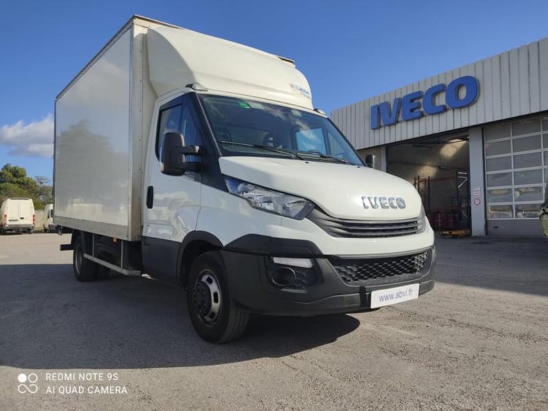 Iveco 35c16 CAISSE + HAYON AUVENT CLIM AUTO DEFLECTEUR Diesel Blanc Occasion à vendre