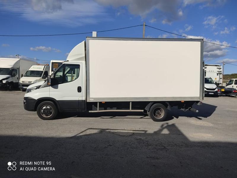 Photo 3 de l'offre de IVECO 35c16 CAISSE + HAYON AUVENT CLIM AUTO DEFLECTEUR à 33000€ chez ABVI Narbonne