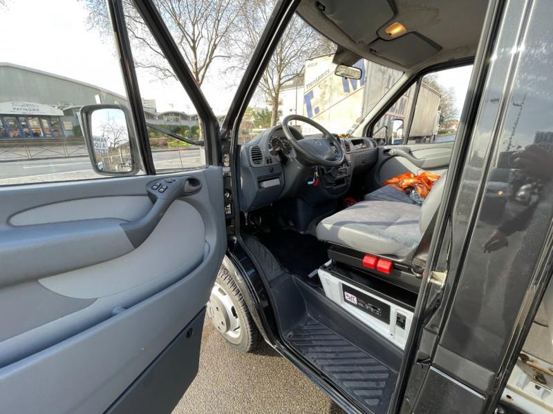 Photo 8 de l'offre de MERCEDES-BENZ SPRINTER CCB 416 35 (EMP 3.55M) à 22000€ chez SELF AUTO