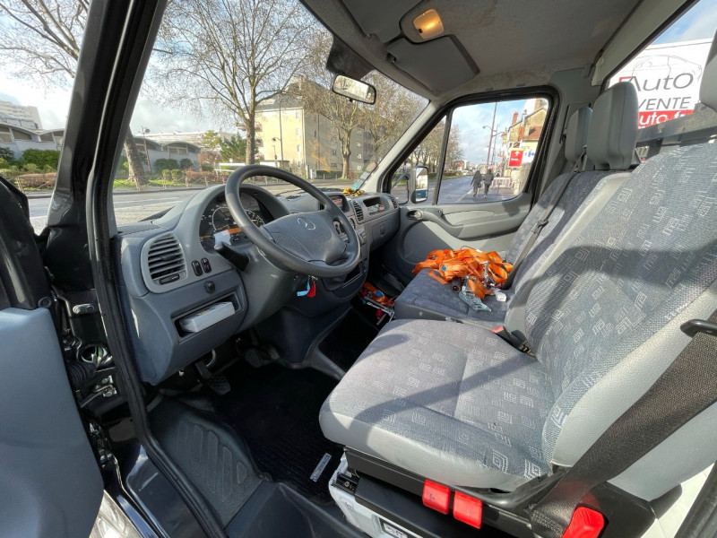 Photo 9 de l'offre de MERCEDES-BENZ SPRINTER CCB 416 35 (EMP 3.55M) à 22000€ chez SELF AUTO