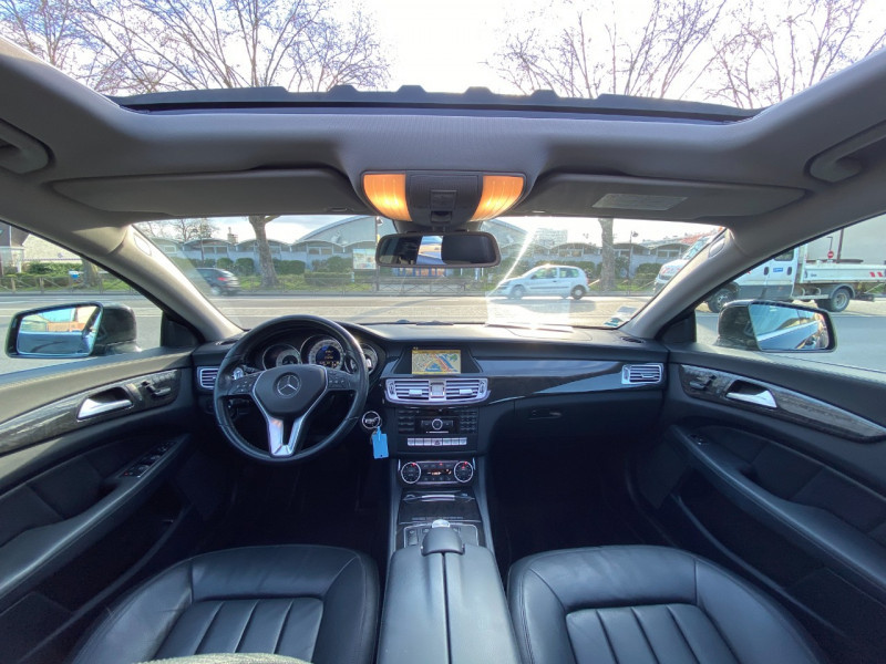 Photo 9 de l'offre de MERCEDES-BENZ CLASSE CLS (W218) 250 CDI à 14990€ chez SELF AUTO