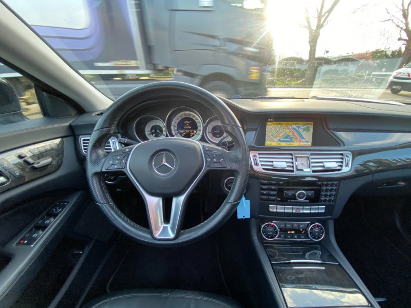 Photo 11 de l'offre de MERCEDES-BENZ CLASSE CLS (W218) 250 CDI à 14990€ chez SELF AUTO