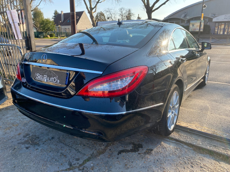 Photo 16 de l'offre de MERCEDES-BENZ CLASSE CLS (W218) 250 CDI à 14990€ chez SELF AUTO