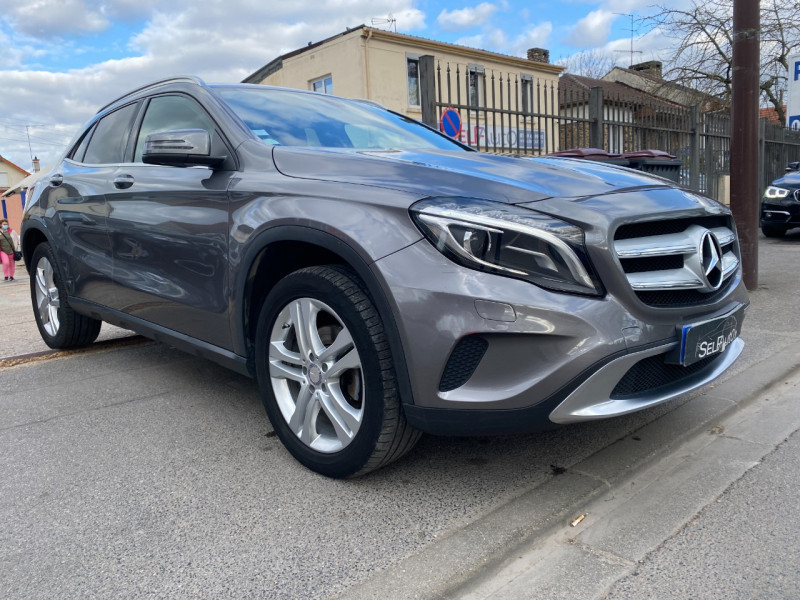 Photo 3 de l'offre de MERCEDES-BENZ CLASSE GLA (X156) 220 CDI SENSATION 4MATIC 7G-DCT à 16990€ chez SELF AUTO
