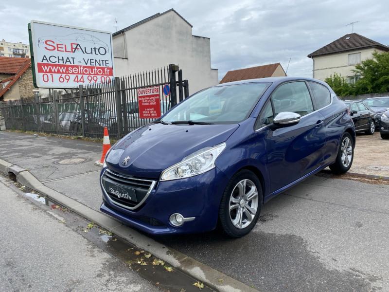 Peugeot 208 1.6 E-HDI115 FAP ALLURE 3P Diesel BLEU F Occasion à vendre