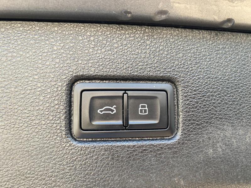 Photo 19 de l'offre de AUDI Q7 3.0 V6 TDI 272CH CLEAN DIESEL AVUS QUATTRO TIPTRONIC 7 PLACES à 29900€ chez SELF AUTO