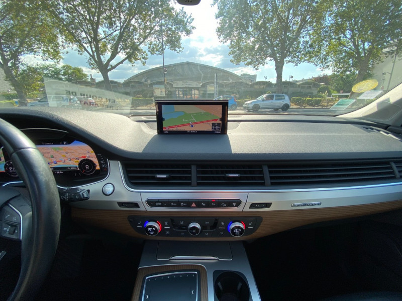 Photo 12 de l'offre de AUDI Q7 3.0 V6 TDI 272CH CLEAN DIESEL AVUS QUATTRO TIPTRONIC 7 PLACES à 29900€ chez SELF AUTO