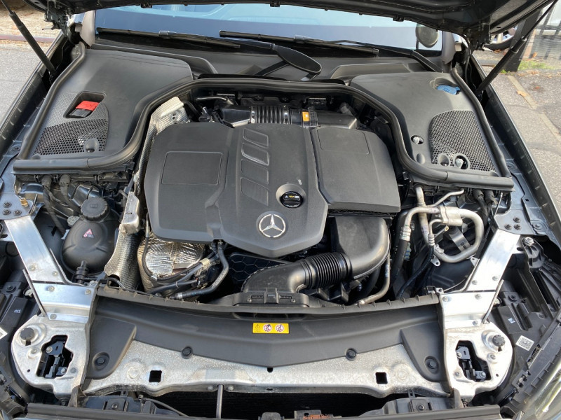 Photo 18 de l'offre de MERCEDES-BENZ CLASSE E (W213) 200 D 150CH SPORTLINE 9G-TRONIC à 29900€ chez SELF AUTO