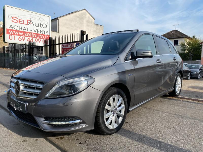 Mercedes-Benz CLASSE B (W246) 180 CDI 1.8 DESIGN 7G-DCT Diesel GRIS F Occasion à vendre