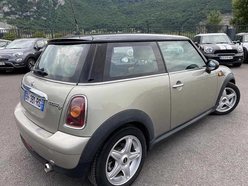 Photo 3 de l'offre de MINI MINI COOPER D 110CH PACK CHILI à 7990€ chez Help car