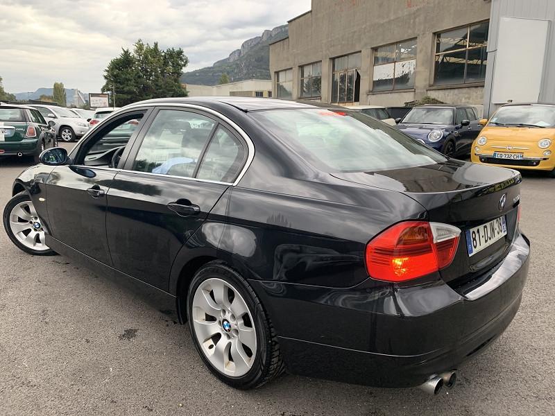 Photo 3 de l'offre de BMW SERIE 3 (E90) 330IA 258CH CONFORT à 8490€ chez Help car
