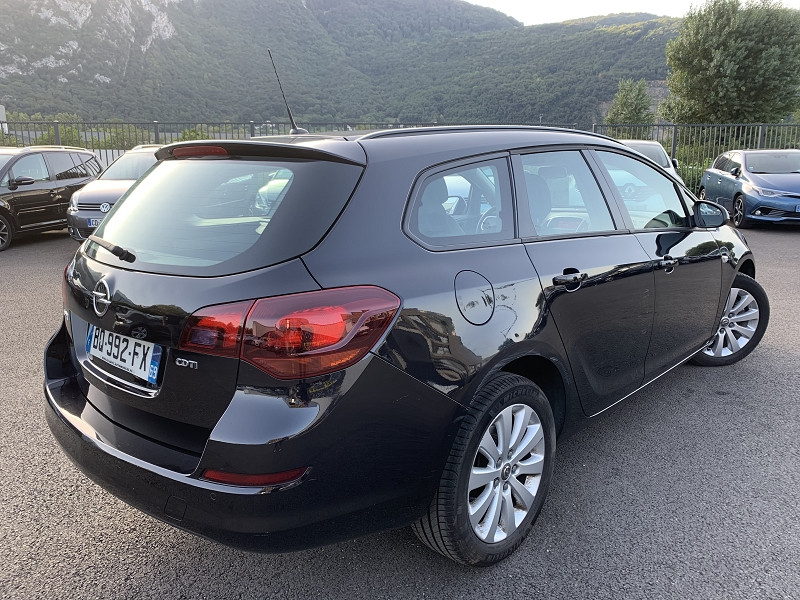 Photo 2 de l'offre de OPEL ASTRA SPORTS TOURER 1.7 CDTI110 FAP ENJOY à 7490€ chez Help car
