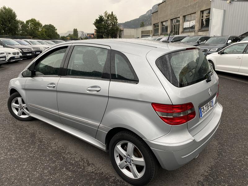 Photo 2 de l'offre de MERCEDES-BENZ CLASSE B (T245) 200 à 9490€ chez Help car