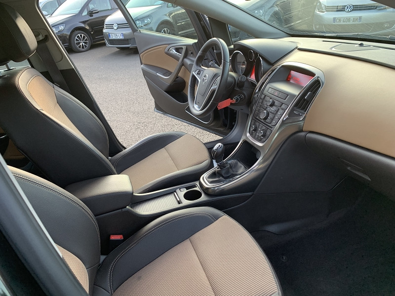 Photo 3 de l'offre de OPEL ASTRA SPORTS TOURER 1.7 CDTI110 FAP ENJOY à 7490€ chez Help car