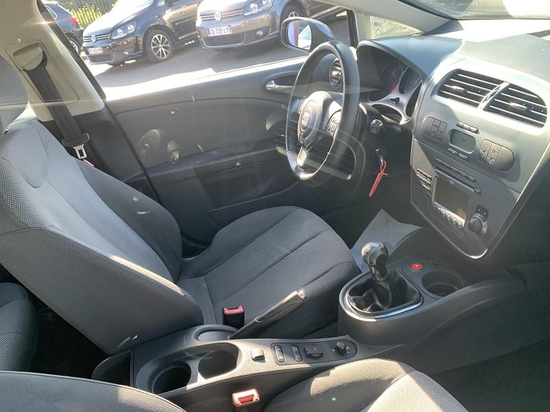 Photo 3 de l'offre de SEAT LEON 2.0 TDI140 FAP STYLANCE à 3990€ chez Help car