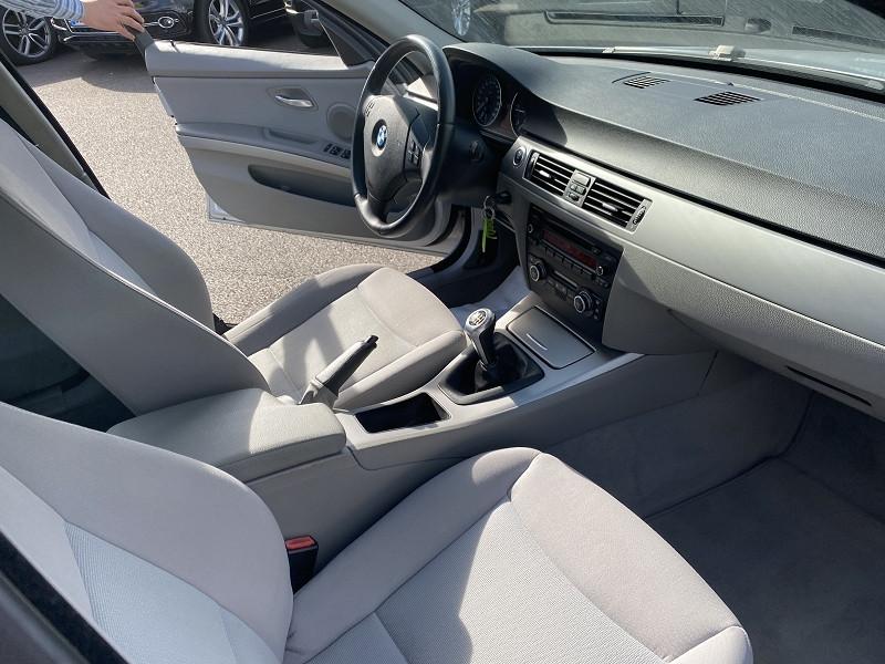 Photo 4 de l'offre de BMW SERIE 3 (E90) 320D 163CH CONFORT à 8490€ chez Help car