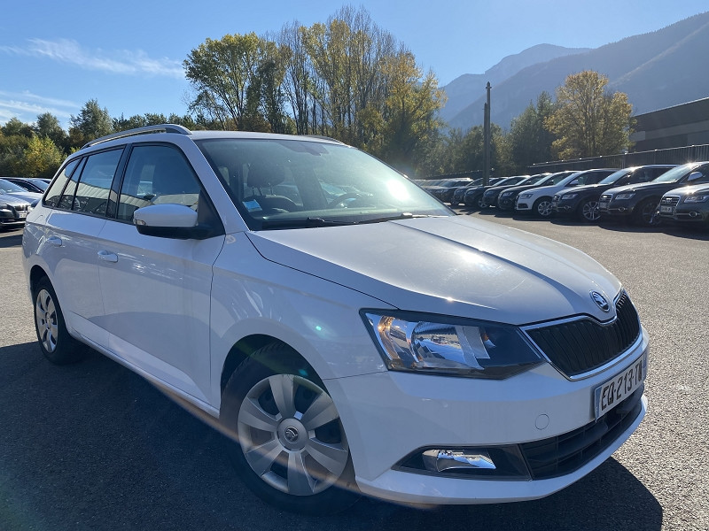 Photo 3 de l'offre de SKODA FABIA BREAK 1.4 TDI90 FAP AMBITION à 9490€ chez Help car
