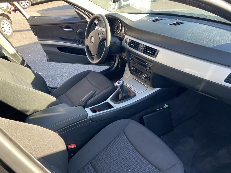 Photo 4 de l'offre de BMW SERIE 3 (E90) 316I 122CH CONFORT à 11490€ chez Help car