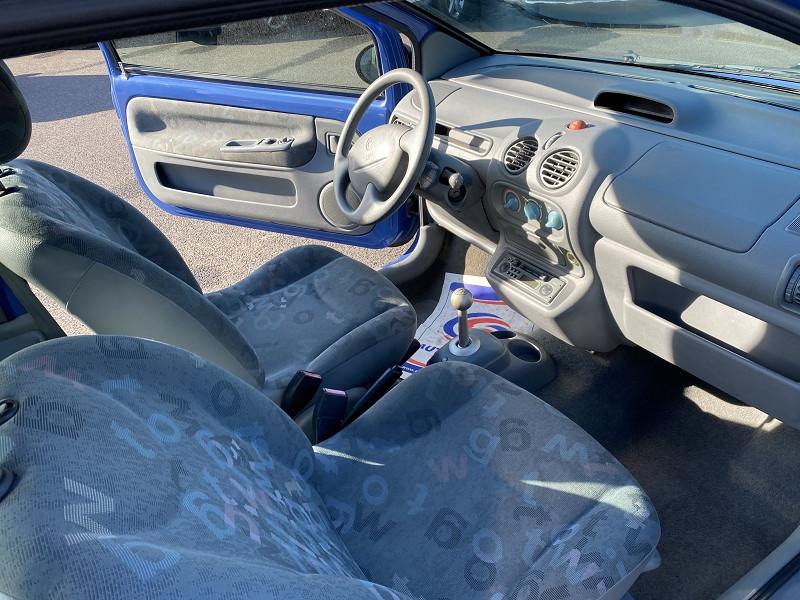 Photo 2 de l'offre de RENAULT TWINGO 1.2 16V 75CH GENERATION E QUICKSHIFT à 3990€ chez Help car
