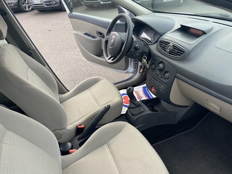 Photo 3 de l'offre de RENAULT CLIO III 1.2 TCE 100CH EXPRESSION 5P à 5990€ chez Help car