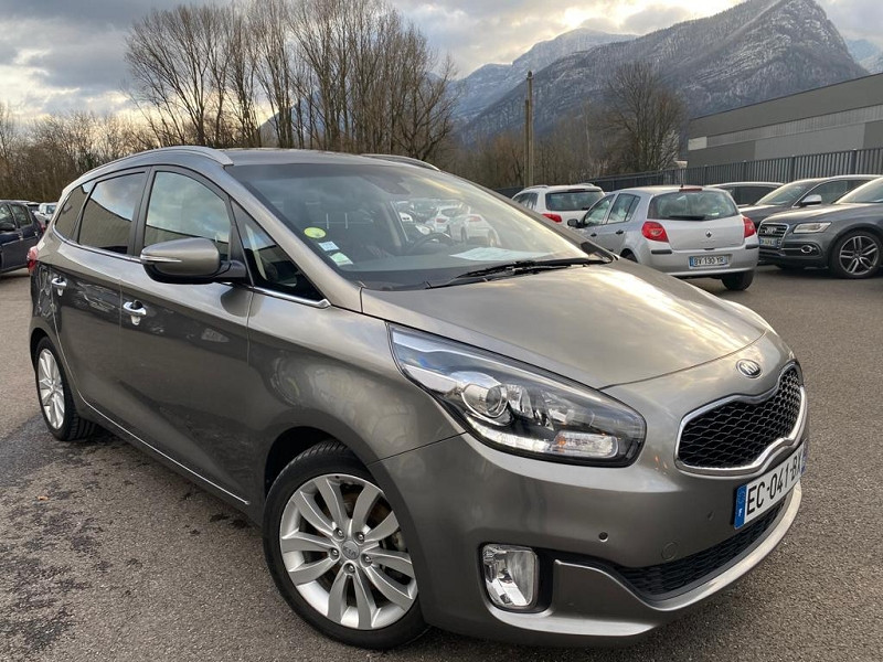 Photo 1 de l'offre de KIA CARENS 1.7 CRDI 115CH ACTIVE 7 PLACES à 11990€ chez Help car