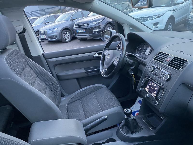 Photo 3 de l'offre de VOLKSWAGEN TOURAN 1.6 TDI 105CH BLUEMOTION FAP CARAT à 10490€ chez Help car
