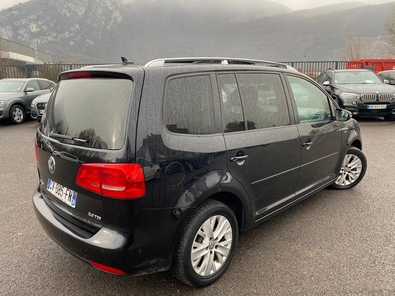 Photo 3 de l'offre de VOLKSWAGEN TOURAN 2.0 TDI 140CH FAP LIFE BLUEMOTION 7 PLACES à 12990€ chez Help car