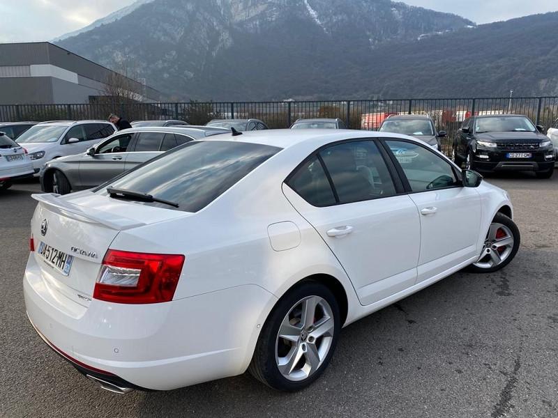 Photo 3 de l'offre de SKODA OCTAVIA 2.0 TDI 184CH CR FAP RS DSG6 à 17990€ chez Help car