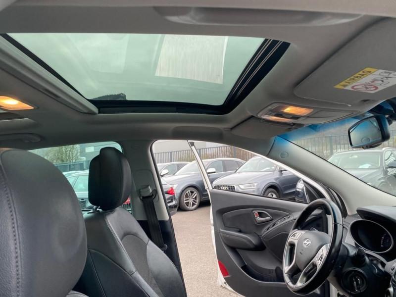 Photo 5 de l'offre de HYUNDAI IX35 1.7 CRDI 115CH PACK PREMIUM BLUE DRIVE à 11990€ chez Help car