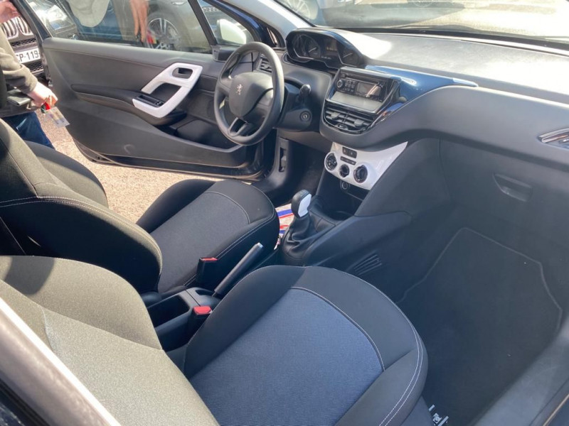 Photo 4 de l'offre de PEUGEOT 208 1.2 PURETECH 68CH LIKE 3P à 8990€ chez Help car