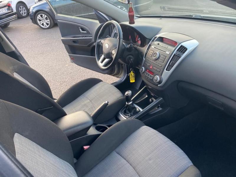 Photo 4 de l'offre de KIA CEE'D SW 1.6 CVVT ACTIVE E5 à 8990€ chez Help car